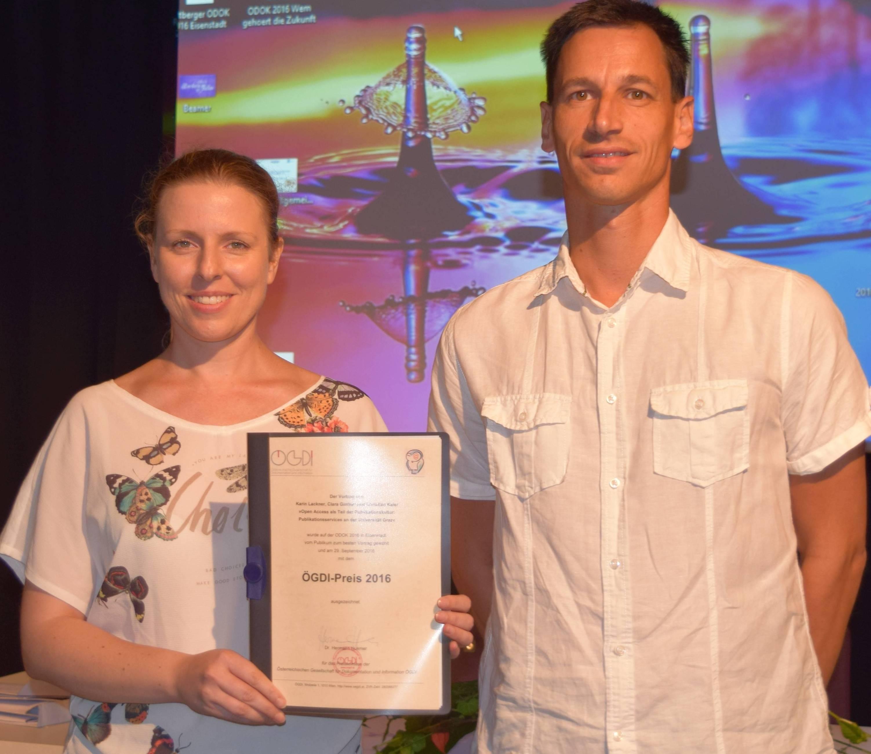 Karin Lackner und Christian Kaier (UB Graz) nach der Preisverleihung